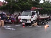 Tin tức - TP.HCM: Hai cô gái chết thảm dưới bánh xe tải