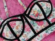 Thời trang - Chế áo lửng gợi cảm từ áo lót cũ