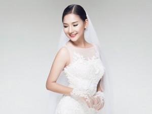 Trọn vẹn bộ ảnh vợ Duy Nhân làm mẫu váy cưới
