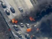 """Tin tức - Mỹ: Cháy rừng khủng khiếp, lửa """"leo"""" đường cao tốc đốt xe hơi"""