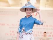 Thời trang - HH Ngọc Hân lộng lẫy làm vedette cho NTK Minh Hạnh