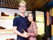 Làng sao - Đoan Trang cùng chồng Tây quấn quýt tại sự kiện