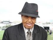 Bố Michael Jackson đột quỵ trong sinh nhật tuổi 87