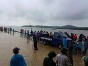 Vạ vật chờ tàu, mì tôm 50.000đ/gói ở vùng mưa lũ Cô Tô