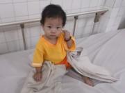 Làm mẹ - Mẹ bỏ rơi bé 11 tháng vì không có tiền đóng viện phí