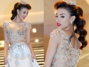 Thời trang - Sững sờ vì váy cưới táo bạo của Hồng Quế