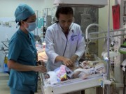 Vụ bé bị đâm xuyên não: Bộ trưởng Y tế khen ngợi bác sĩ
