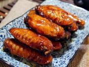 Bếp Eva - Hấp dẫn với cánh gà om coca, hoa hồi