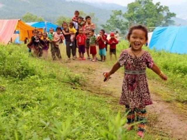 Sau 3 tháng động đất, người dân Nepal vẫn màn trời chiếu đất