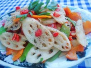 Bếp Eva - Đơn giản với củ sen xào chay