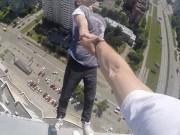 Clip Eva - Thách thức tử thần trên nóc cao ốc tại Nga