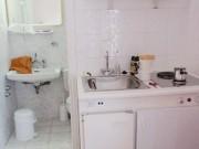 Nhà đẹp - Phong thủy: Hóa giải phòng vệ sinh nhiễm bẩn sang khu bếp