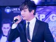 Ca sĩ trẻ Quang Hiếu ra mắt album nhạc xưa
