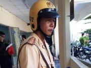 Tin tức - Thiếu tá CSGT bị tông lên nắp capô, kéo lê hơn 300 m