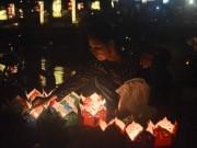 Hội An rực sáng hoa đăng sông Hoài mừng lễ Vu Lan