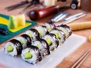 Chỉ vài phút là xong sushi dưa chuột