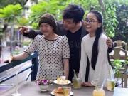 """Làng sao - Những """"bất thường"""" mối quan hệ Quang Lê và con gái nuôi"""