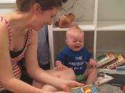 Clip Eva - Bé khóc toáng lên khi mẹ đọc hết truyện