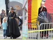 Lady Gaga lộng lẫy như bà hoàng trong bộ đầm đen