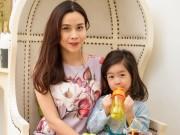 Làng sao - Con gái Lưu Hương Giang đáng yêu khó cưỡng bên mẹ