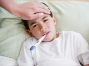 """Làm mẹ - """"Giật mình"""" với 10 hiểu lầm về sốt ở trẻ em"""