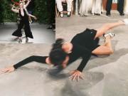 """Người mẫu """"cố tình"""" ngã đập mặt trên sàn diễn"""