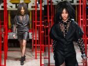 Thời trang - Hoàng Thuỳ ấn tượng trong show của KTZ sau 2 lần trượt casting