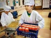 Làm mẹ - Loạt ảnh thực tế về bữa trưa tại trường tiểu học ở Nhật