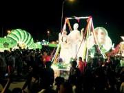 """Ngắm dàn lồng đèn """"khủng"""" diễu phố tại Tuyên Quang"""