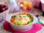 Bếp Eva - Trứng bọc cơm chiên hình gà cho bé lười ăn