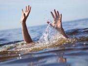 Tin tức - Đi chăn trâu tắm kênh, 2 trẻ chết đuối thương tâm