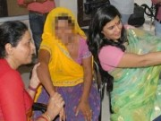 """Tin tức - Ấn Độ: Từ chức do chụp ảnh """"tự sướng"""" với nạn nhân bị cưỡng hiếp"""