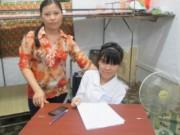 Tin tức - Nữ sinh ngồi xe lăn từng khóc để… xin đi học