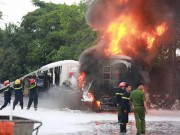 Tin tức - Cháy lớn tại cây xăng chợ đầu mối quận Hoàng Mai