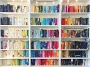 Cách xếp giá sách màu mè khiến tim bạn lỗi nhịp