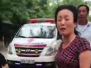 Clip Eva - Clip mẹ khóc nức nở khi bảo vệ chặn xe chở con hấp hối xuất viện
