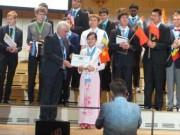 """Tin tức - Nữ sinh Nam Định đoạt giải """"Nữ sinh châu Á đạt kết quả cao nhất"""" Olympic Vật lí"""