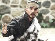 Xem & Đọc - Yoo Seung Ho hợp tác với mỹ nam EXO đi bán... sông Hàn