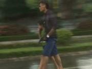 Tin tức - Bố cầm súng khống chế... con trai, đi cướp xe taxi
