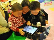 Làm mẹ - Trẻ nghiện smartphone có nguy cơ ung thư não gấp 5 lần các bé khác