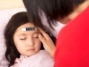 Tin tức sức khỏe - Những sai lầm nghiêm trọng của mẹ khi con ốm