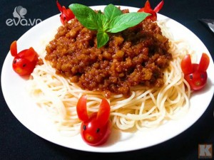 Cuối tuần đổi vị với mỳ Ý sốt thịt băm cho cả nhà