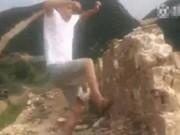 Clip Eva - Video: Người đàn ông bắt chước thế Kungfu đạp Vạn Lý Trường Thành