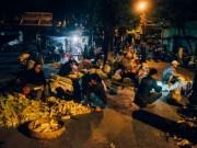 Tin tức - Những người phụ nữ trắng đêm mưu sinh ở phiên chợ đêm giữa lòng Hội An