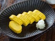 Bếp Eva - Trứng cuộn chiên đơn giản nhưng trôi cơm ngày mát trời