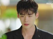 """""""Hai thế giới"""" tập 5: Lee Jong Suk sốc vì mình là biểu tượng """"sống ảo"""" bán chạy"""