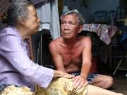 Video: Tình yêu cảm động của người chồng cụt chân chăm vợ mù lòa