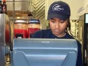 Tin tức - Nghỉ hè, con gái út Tổng thống Obama đi làm thêm tại nhà hàng