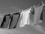 Nhà đẹp - Tháng cô hồn: Vì sao kiêng phơi quần áo ban đêm?