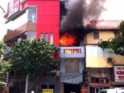 Tin tức - Hà Nội: Cháy nhà 4 tầng, cả khu phố náo loạn
